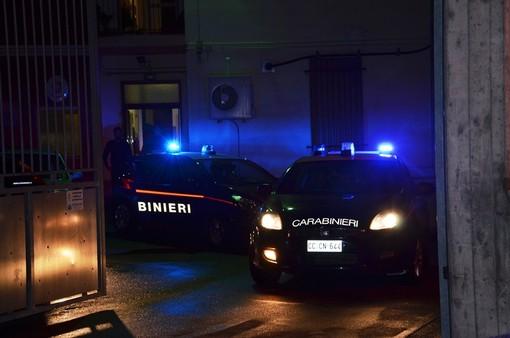 Dal Nord Ovest. Rischia di uccidere un uomo colpendolo con una pietra, 37enne romeno arrestato per lesioni aggravate ed evasione
