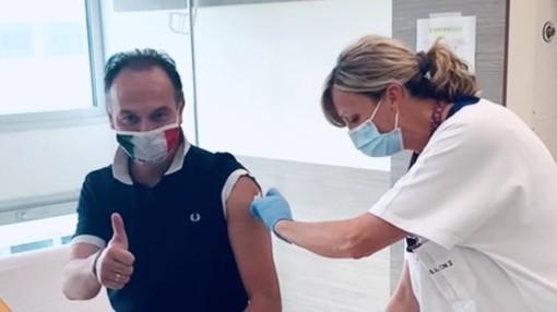 Venerdì vaccinate oltre 35mila persone. Seconda dose anche per il governatore Cirio