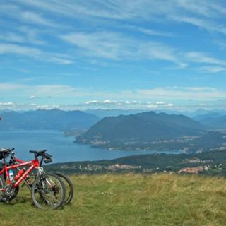 Il tuo Giro parte da Verbania: cicloturismo sulle orme dei più grandi campioni