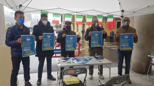 Flash mob di Fratelli d'Italia contro le restrizioni del coprifuoco