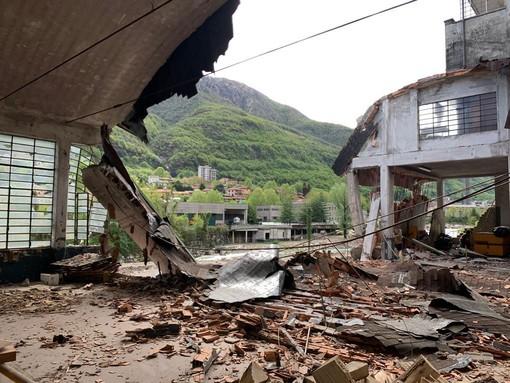 Omegna: nuovo crollo all'interno di un edificio di via IV Novembre FOTO
