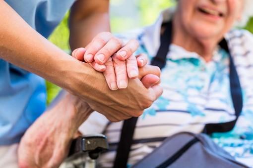 Piemonte, nuovo piano di dimissione protetta dagli ospedali al domicilio e alle Rsa