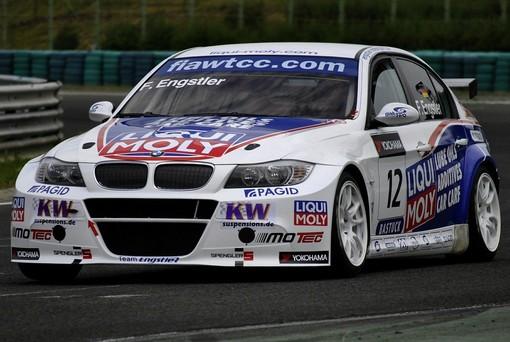 BMW Touring, serie 3 e serie 5: caratteristiche e piacere di guida