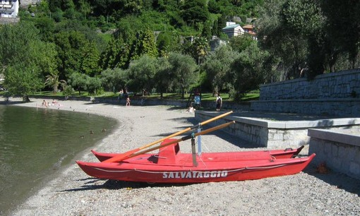 A Verbania spiagge più sicure grazie a bagnini e attrezzature di soccorso