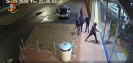 Smantellata a Mirafiori Sud la banda che da anni terrorizzava i tir nelle aree di servizio: 13 arresti. VIDEO