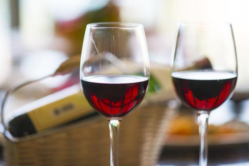 """Vino, Coldiretti denuncia: """"Bruxelles vuole permettere di annacquare il vino"""""""